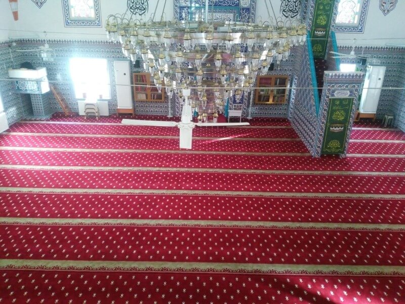 FEATURES OF MOSQUE CARPETS